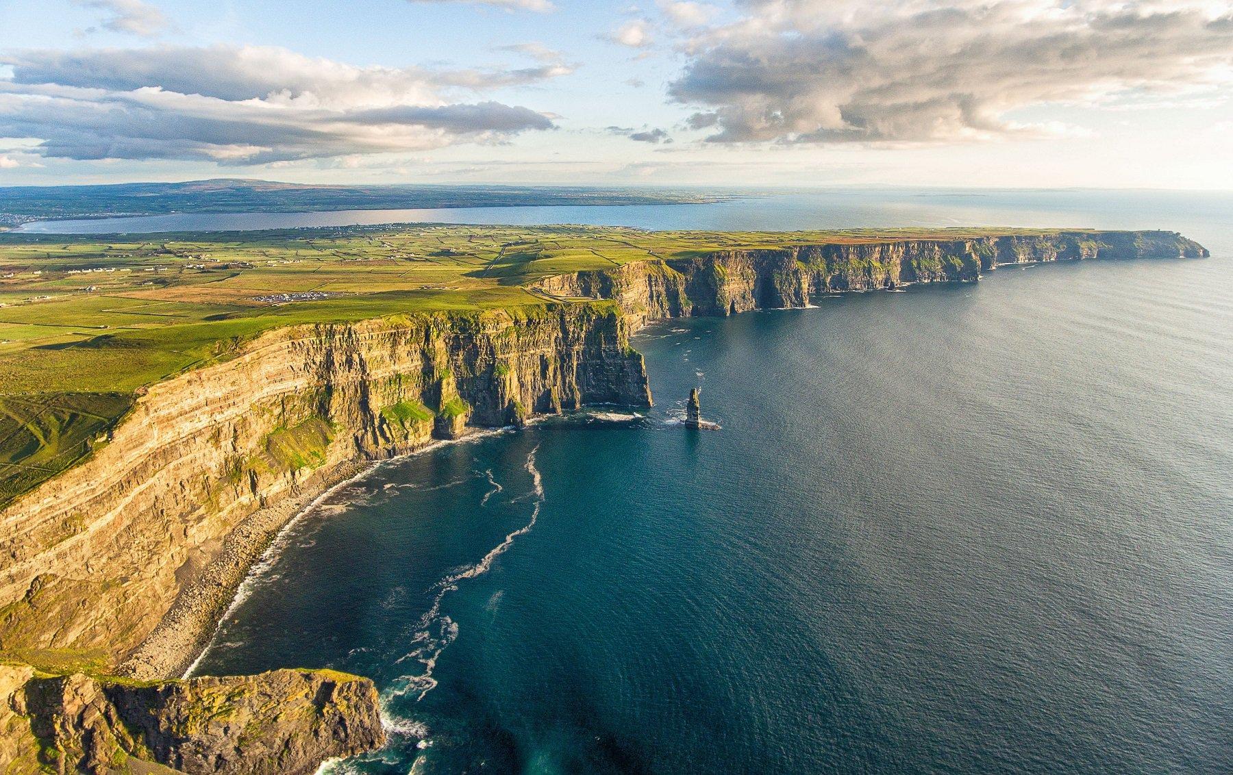 Cliffs of Moher>